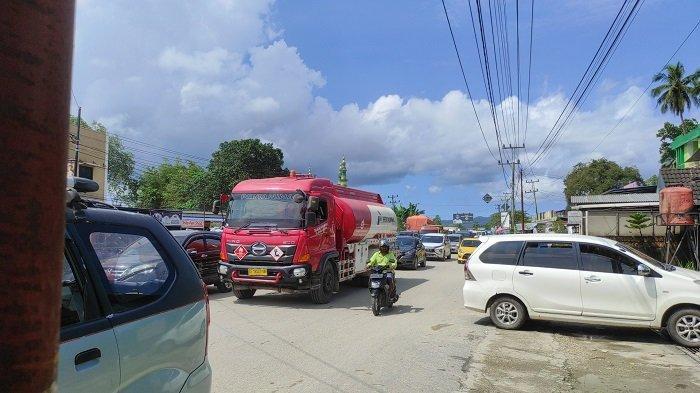 Akibat Mobil Mogok Puluhan Kendaraan Sempat Terjebak Macet, di Sekitar Bundaran Lepo-Lepo Kendari