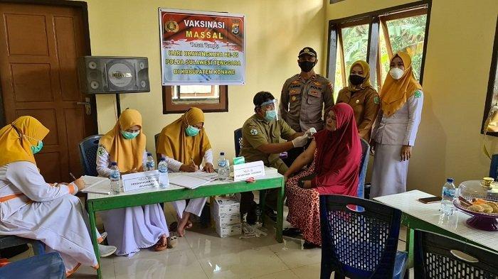 Sambut HUT Bhayangkara ke-75, Polsek Onembute Vaksinasi 138 Warga di Konawe Sulawesi Tenggara