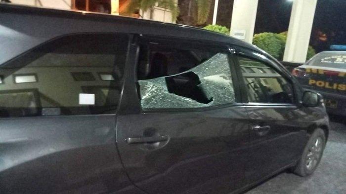 Mobil Ketua KNPI Sultra Versi Haris Pertama Dirusak, Kaca Pecah dan Laptop Raib