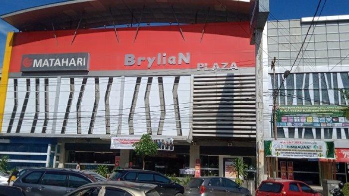 Pedagang Harap Pembeli Jadikan Brylian Plaza Kendari Tempat Usaha dengan Segmen Pasar yang Jelas