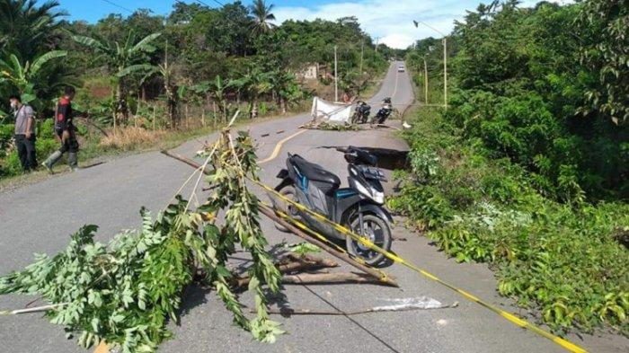 Jalan di Desa Mondoe Konawe Selatan Ambruk, Akses ke Bombana dan Tinanggea Nyaris Terputus