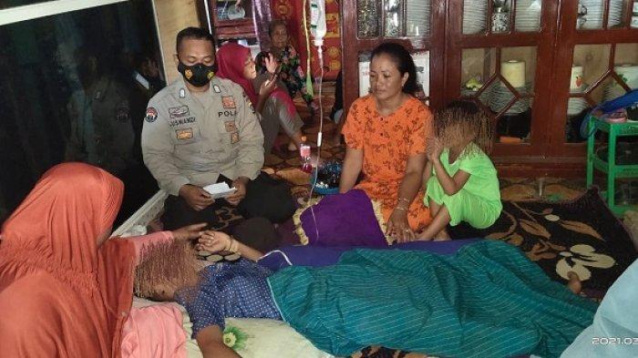 TH (13) warga Kecamatan Samaturu, Kabupaten Kolaka, Sulawesi Tenggara (Sultra) ditemukan terbungkus karung putih dalam kondisi pingsan, Kamis (11/3/2021). Korban ditemukan 30 meter dari rumahnya, padahal sempat dicari selama dua hari oleh warga bersama polisi Samaturu hingga ke hutan.