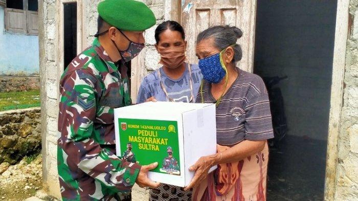 Korem 143/HO Kendari Bagikan 705 Paket Bansos untuk Anak Yatim dan Penyandang Disabilitas di Sultra