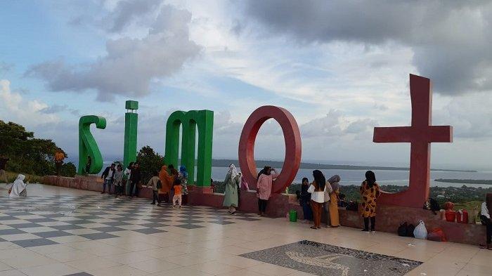 Kunjungi Puncak Kahyangan Pulau Tomia Wakatobi, Saksikan Langsung Ratusan Fosil Kima Purba