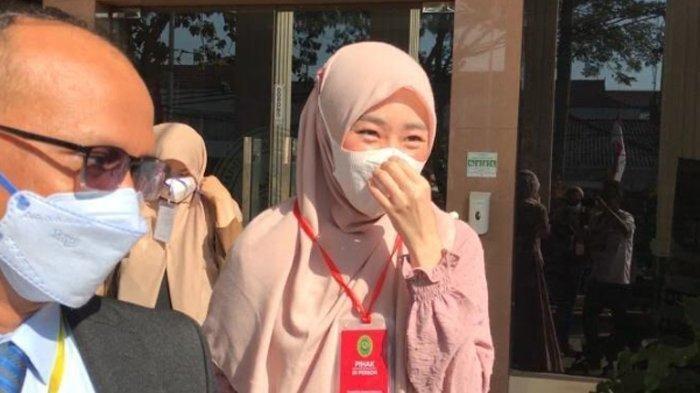 Larissa Chou dan Alvin Faiz Resmi Cerai, Larissa Hadir dengan Kuasa Hukum dan 3 Saksi