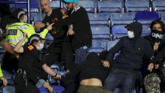 Liga Europa Tadi Malam: Leichester vs Napoli, RUSUH Saling Lempar Rudal hingga Kursi Stadion