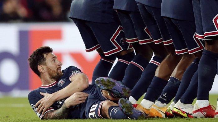 PSG vs Man City di Liga Champions, Lionel Messi Jadi Perhatian Berbaring Demi Tahan Tendangan Bebas
