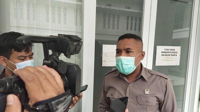 DPRD Kendari Soroti Parkir Liar di Kawasan Tugu Religi Sultra, Rajab Jinik: Merusak Wajah Kota