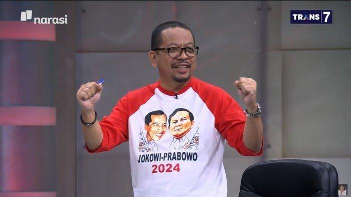 Direktur Eksekutif Indo Barometer, M Qodari, mengenakan kaus bergambar Joko Widodo (Jokowi) dan Prabowo Subianto saat hadir dalam program Mata Najwa, Kamis (18/3/2021).
