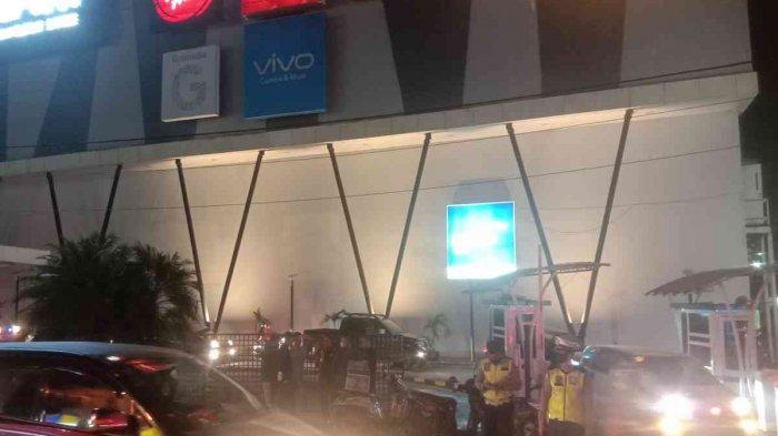 Mahasiswa Geruduk Lippo Plaza Kendari Malam-malam Buntut Larangan Mudik, Pengunjung Mal Panik