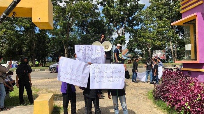 Mahasiswa Unilaki Unjuk Rasa Desak Rektor Cabut Surat Skorsing 10 Mahasiswa