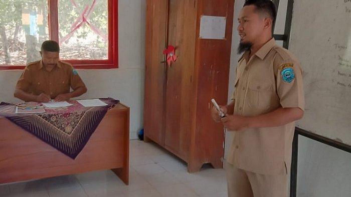Guru SD Negeri 9 Lakudo, Buton Tengah, Marlan Saputra berbagi tips lolos seleksi penerimaan Calon Aparatur Sipil Negara (CASN).