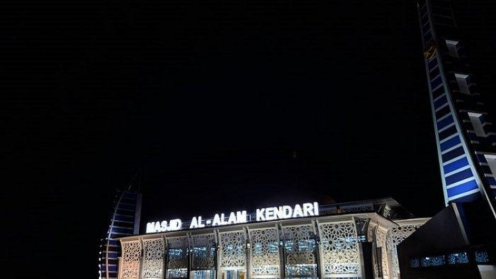 Masjid Al-Alam sebagai Ikon Kota Kendari dan wisata religi