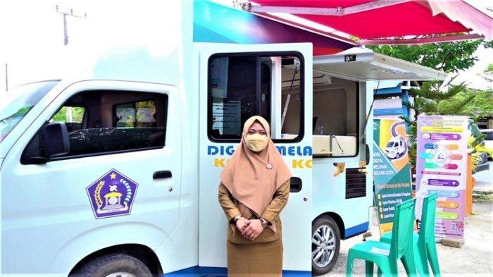Mobil Dilan DPMPTSP Kota Kendari Mangkal di Kecamatan Mandonga, Memudahkan Pelayanan Penerbitan NIB