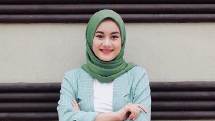 Profil Dinda Hauw, Datang ke Pernikahan Rizky Billar - Lesti Kejora, Kenang Momen 1 Tahun Lalu