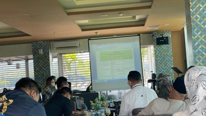 Suasana rapat panitia pusat dan panitia lokal Munas Kadin di Hotel Claro Kendari, Kamis (26/6/2021)