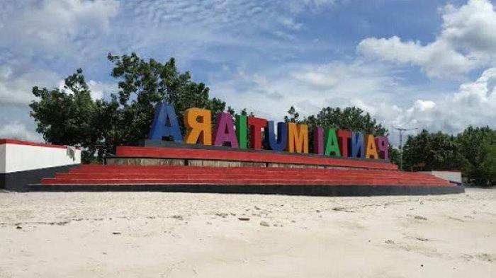 Pantai ini berlokasi di Desa Gumamano, Kecamatan Mawasangka, Kabupaten Buton, Sulawesi Tenggara.