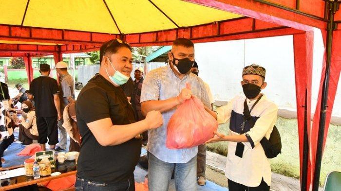 Korem 143/HO Kendari Salurkan Daging Kurban Secara Langsung ke Warga