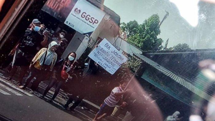 Pria di Blitar Ditangkap karena Bentangkan Poster ke Arah Rombongan Presiden Jokowi