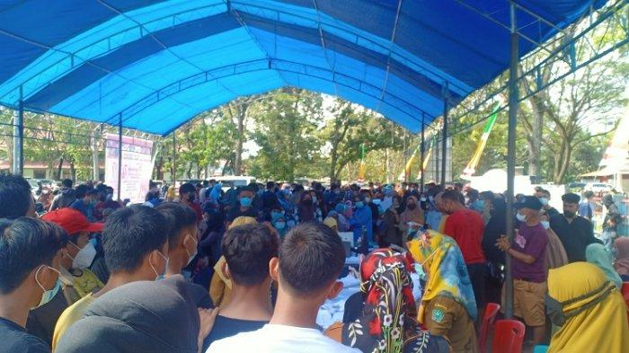 Jelang HUT ke-76 RI, Pemkab Konawe Gelar Vaksinasi Massal, Ratusan Masyarakat Antre
