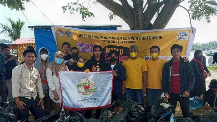 Peringati World Cleanup Day 2021 di Kendari, Relawanpedia Outdoor Pungut Sampah di Bungkutoko