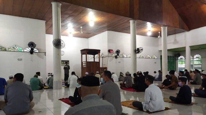 Salat Idul Adha 2021 di Masjid Al Hikmah Jati Raya Kendari Tetap Terapkan Prokes Tanpa Salam-salaman