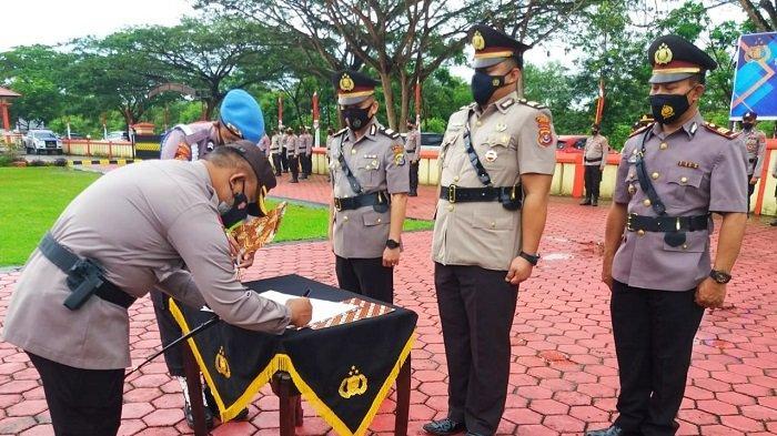 Polres Konawe Sertijab 1 Pejabat Utama, 1 Pensiun Sempat Diarak Pakai Becak