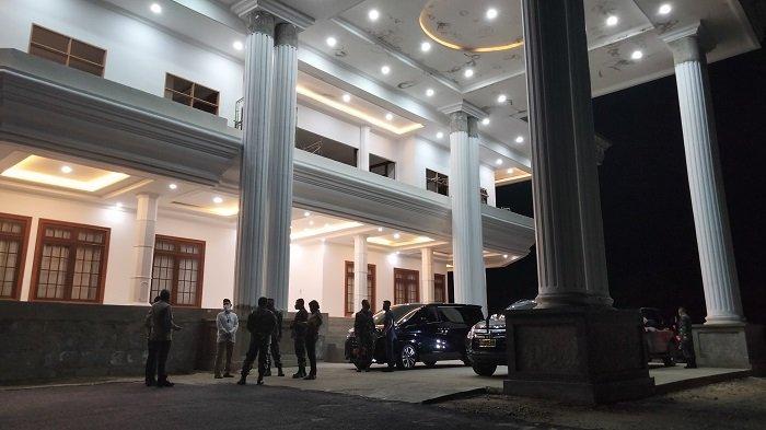 Istri Ali Mazi Wafat, Wali Kota, Ketua DPRD Kendari, Danrem, Kapolres Melayat Rujab Gubernur Sultra