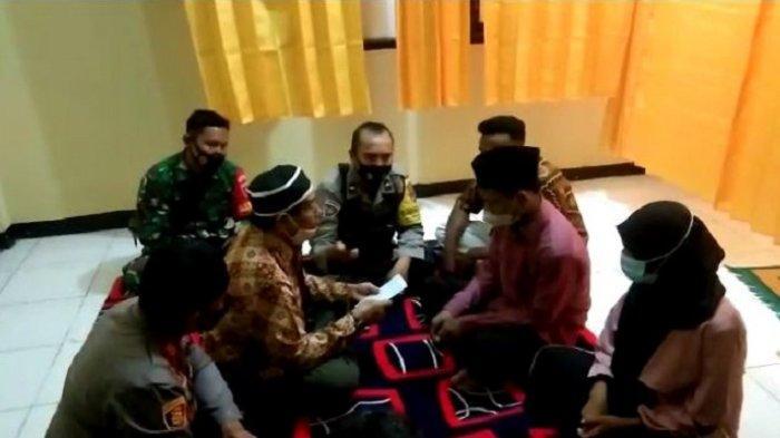 VIDEO Detik-Detik Tahanan di Baubau Nikahi Kekasih di Kantor Polisi, Mempelai Pria Sempat Salah Ucap
