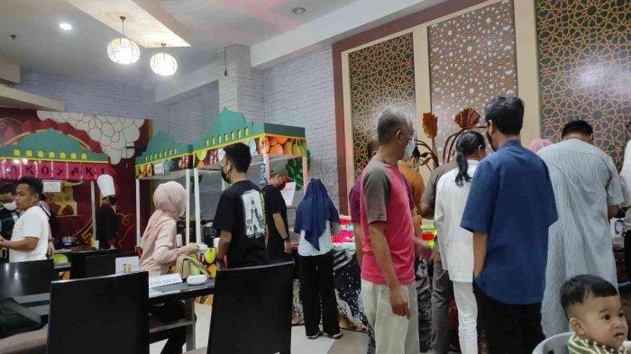 Nikmati Jajanan Kaki Lima untuk Berbuka Puasa di Bakul Ramadhan Hotel Claro Kendari