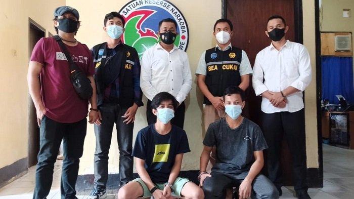 Ambil Tembakau Gorila di JNE, Tiga Pemuda di Konawe Ditangkap Polisi, Diintai Bea Cukai