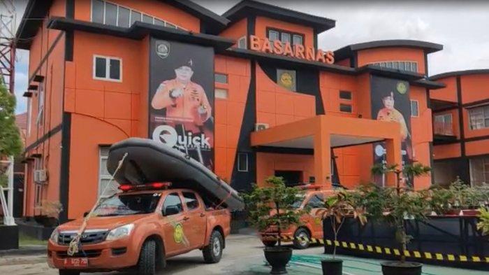 Kantor Pencarian dan Pertolongan atau KPP Kendari menerjunkan tim rescue (penyelamat) ke lokasi mobil tenggelam di Kabupaten Konawe, Provinsi Sulawesi Tenggara (Sultra), Minggu (19/9/2021) siang.