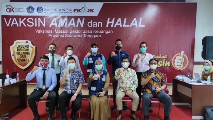 Vaksinasi bersama pegawai OJK Sultra, KPW Bank Indonesia, dan Forum Komunikasi Industri Jasa Keuangan (FKIJK) Sultra,