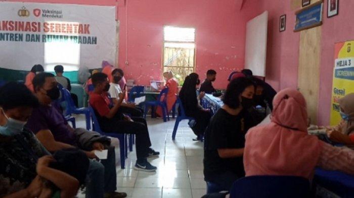 Vaksinasi Covid-19 di Gereja ST Fransiskus Xaverius Kendari, Serentak di Seluruh Wilayah Indonesia