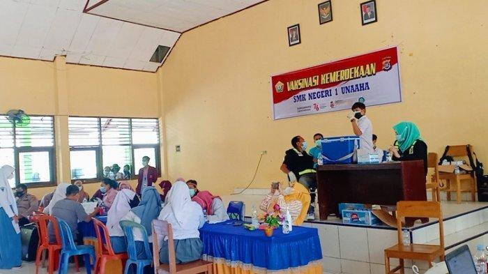 304 Orang Vaksinasi Covid-19 di SMK Negeri 1 Unaaha, Pelajar, Lansia, hingga Masyarakat Umum Konawe