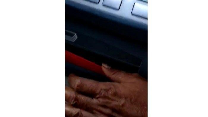 Video Viral Pengganjal di Mesin ATM Bank Mandiri Drive Thru di Kendari, Netizan Minta Hati-Hati