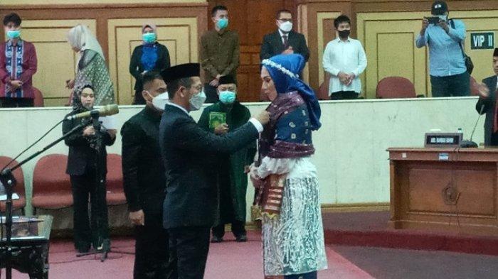 Gantikan Muhammad Endang, Sarlinda Mokke Resmi Jabat Anggota DPRD Sultra Periode2019-2024