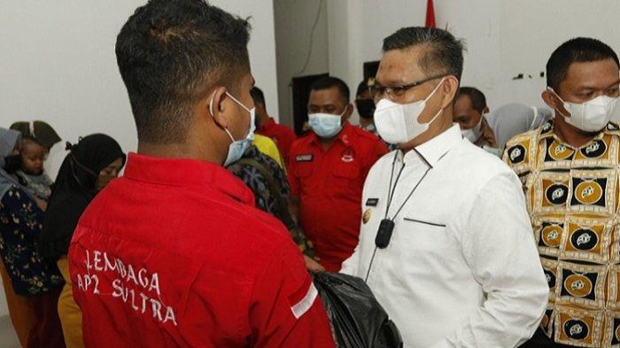 Wali Kota Kendari Berikan Bantuan 100 Paket Sembako ke Warga Kelurahan Kambu, Didampingi AP2 Sultra
