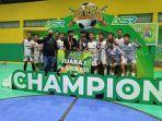 andy-ady-aksar-serahkan-hadiah-milenial-high-school-futsal-competition-2021.jpg