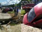 kecelakaan-mobil-terjadi-di-kota-kendari-city-car-warna-merah-hantam-tiang-telepon.jpg