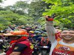kerumunan-peserta-latber-trail-adventure-di-kabupaten-kolaka-utara-kolut-provinsi-sultra.jpg
