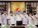 ketua-umum-kadin-indonesia-rosan-roeslani-ketua-kadin-sultra-anton-timbang-beserta-pengurus.jpg