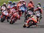 para-pebalap-berkompetisi-pada-awal-balapan-motogp-moto-grand-prix-de-catalunya.jpg