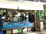 pedagang-ikan-di-simpang-kambu-jl-orinunggu-kelurahan-padaleu-kecamatan-kambu-kota-kendari.jpg