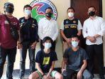 tiga-pemuda-asal-kabupaten-konawe-ditangkap-polisi-saat-hendak-mengambil-tembakau-gorila.jpg