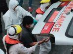 wna-asal-filipina-terpaksa-dievakuasi-basarnas-kendari-gegara-mengalami-kecelakaan-di-kapal.jpg