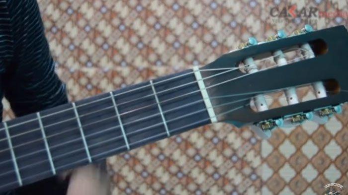 10 Kunci Chord Belajar Gitar Paling Mudah Bagi Pemula Chord Dasar ,  Semua Halaman