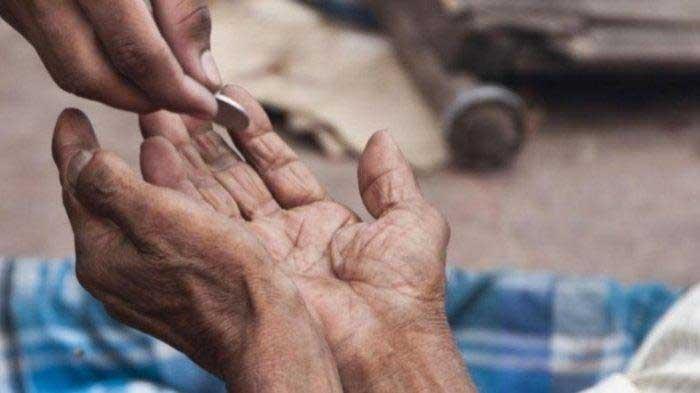 6 Golongan Paling Berhak Menerima Sedekah Dalam Islam, Ternyata Berbeda Dengan Penerima Zakat