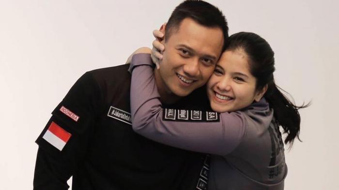 Beredar Foto Annisa Pohan Foto Bareng Bupati Karawang Cellica yang Positif Corona, Nasib Istri AHY?