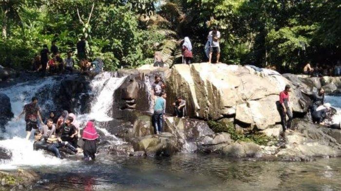Menikmati Keindahan Air Terjun Muaro Meredam Muratara, Mulai Terasa Sejak Mengarungi Sungai